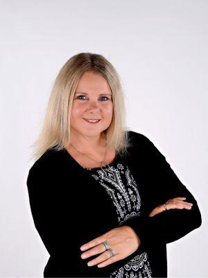 Lorna Angell